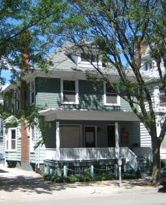328 Thompson Street photo
